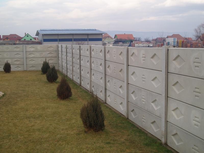 Gard model imitatie piatra p1 cu arcada